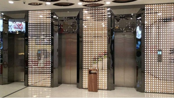 彩色不锈钢蚀刻板在电梯里绽放!
