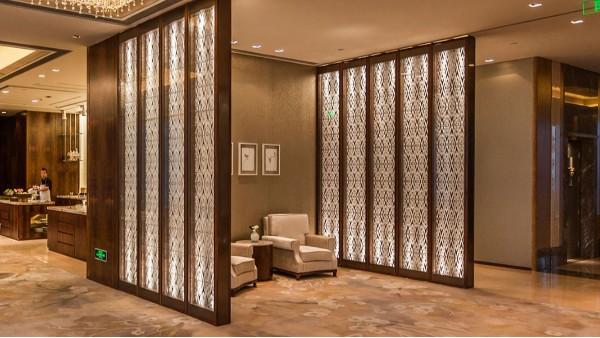 装饰设计—不锈钢屏风的完美应用